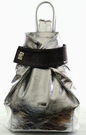 VIA55 hátitáska fémes, ezüst színben, rostbőr