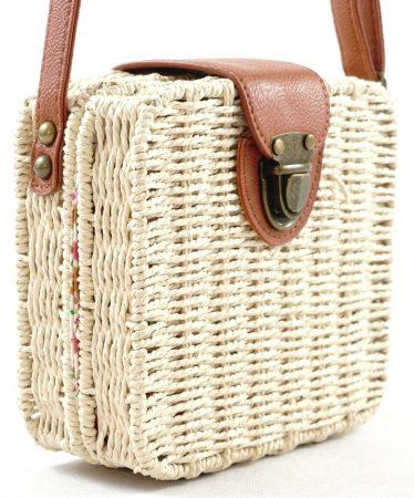 Női keresztpántos táska kocka alakú, szőttes anyag, fehér